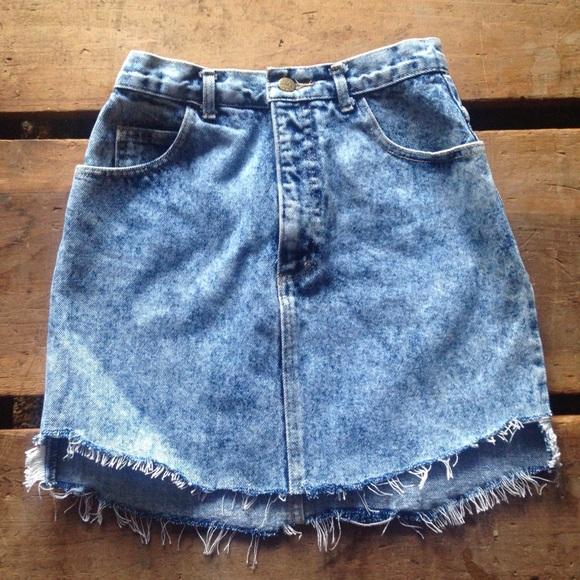 cd7d59ef8418 Guess Dresses & Skirts - True Vintage Guess Acid Wash Denim Skirt